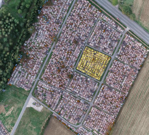 Inwentaryzacja cmentarza baza danych przestrzennych